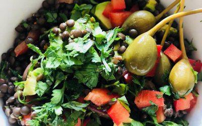 Salat von Beluga-Linsen